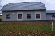 V Suchonicích opravili sokolovnu a vybudovali venkovní posezení.