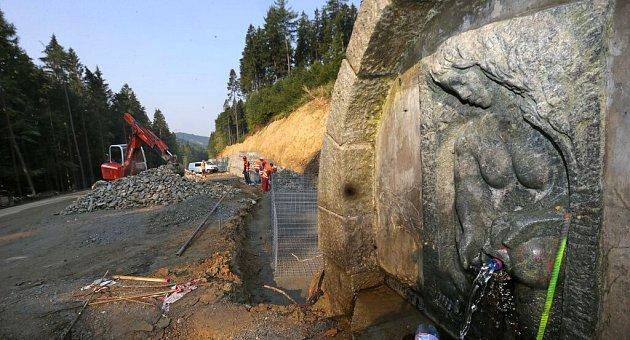 Oprava silnice přes Červenohorské sedlo uLoučné nad Desnou