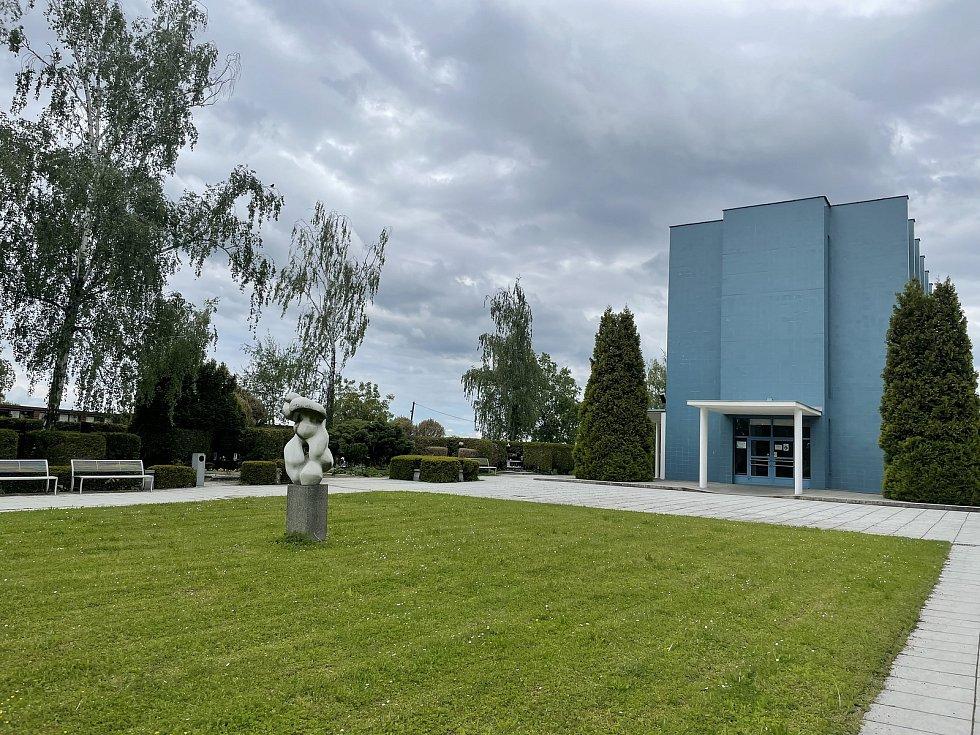 Mobilní chladicí kontejner už u olomouckého krematoria nestojí, 30. května 2021