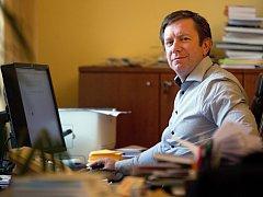 Rektor UP Jaroslav Miller při on-line rozhovoru