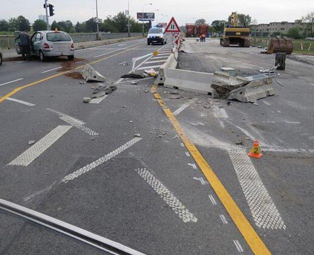 Havárie opilého řidiče ve Velkomoravské ulici vOlomouci