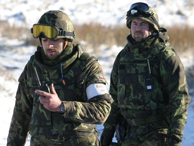 Cvičení vojáků.