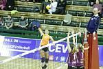 Olomoucké volejbalistky porazily v evropském poháru CEV nizozemské Almelo a postoupily do další fáze soutěže. Monika Dedíková