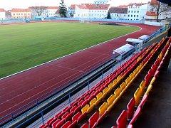Atletický stadion ve Znojmě, kde se mají hrát fotbalové zápasy, stále čeká na zásadní rekonstrukci
