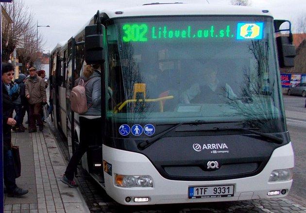 Autobus IDSOK v novém barevném provedení a s novým číslem linky