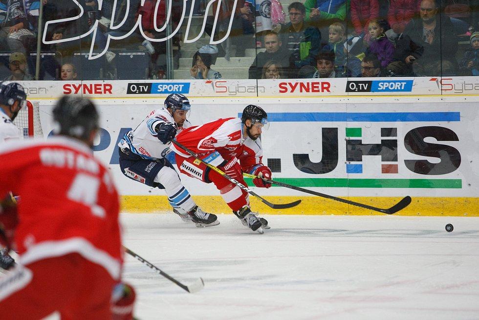 Utkání 8. kola hokejové extraligy mezi HC Bílí Tygři Liberec a HC Olomouc.