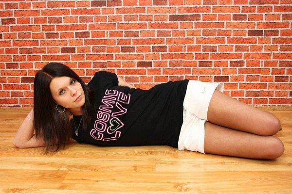 3) DOMINIKA HLAVIČKOVÁ, 17let, studentka, Klatovy