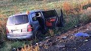 Tragická srážka felicie a VW Touran u Moravského Berouna