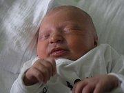 Nicol Hrubá, Malé Hradisko, narozena 16. února, 46 cm, 2700 g