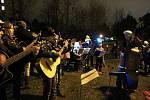 Česko zpívá koledy na olomouckém sídlišti Lazce