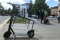 Sdílené koloběžky v ulicích Olomouce