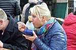 Den lidí bez domova na Horním náměstí v Olomouci, 10. 10. 2019