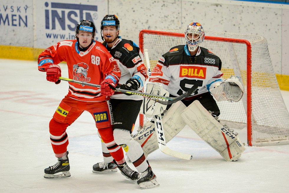 Olomoučtí hokejisté ve třetím utkání čtvrtfinále play off extraligy hostili pražskou Spartu.