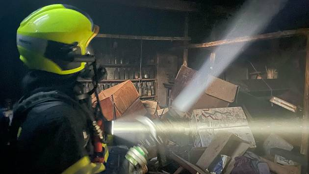 Zásah hasičů u požáru v olomoucké ulici Domovina