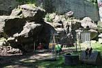 V Bezručových sadech v Olomouci začaly práce na obnově umělého vodopádu, 3. června 2021
