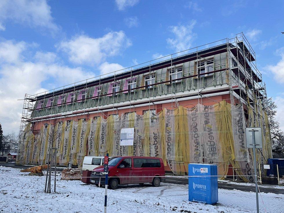 Dlouhá Loučka, stavba nových učeben ZŠ,leden 2021