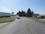 Policie hledá svědky, kteří viděli nehodu v Dolní Novosadské, kde agresivní řidička vybrzdila řidiče Fabie.