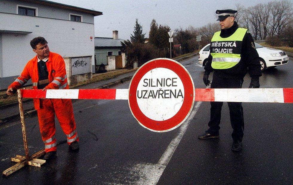 29. března 2006. Zavřená cesta v Olomouci