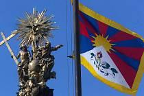 Tibetská vlajka na olomoucké radnici
