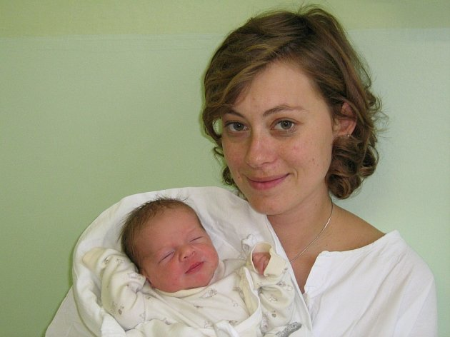 Eliška Sedláčková, narozená 25.11.2007 v Olomouci, váha: 2900 g, míra: 49  cm, Slatinice