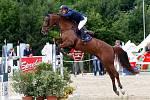 Sandor Szasz (Maď.) a Ferrana. Světový pohár v parkuru v jezdeckém areálu Equine Sport Centre v Olomouci