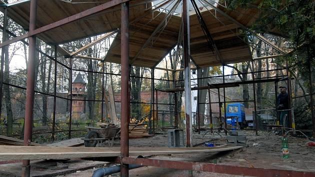 Po rekonstrukci by měl altán sloužit kultuře.