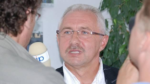 Vladimír Dostál při rozhovoru.