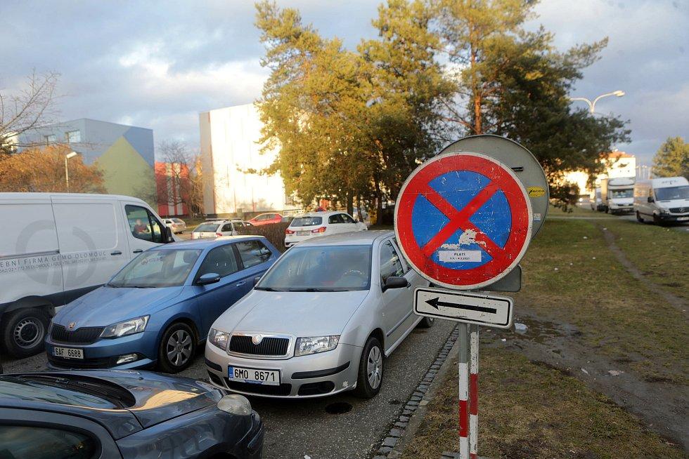 Zákaz parkování kvůli stavbě pokračování tramvajové trati