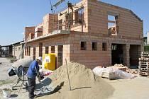 Stavba rozhledny v Přáslavicich