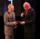 Legenda československé atletiky Jan Mrázek na vyhlášení Sportovce Olomouckého kraje za rok 2014 v Městském divadle v Prostějově