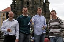 Mistři světa Tomáš Slovák, Richard Hála, Karel Slepica a trenér Robert Knebel byli přijati u primátora Olomouce