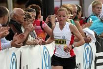Petra Kamínková na trati Olomouckého půlmaratonu