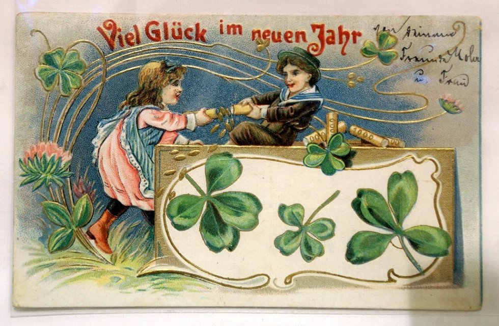 Repro vánočních pohlednic z výstavy v Litovli sběratele Josef Moša
