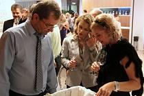 Olomoucké slavnosti vína nabídly v pátek v hotelu NH Collection Olomouc Congress přes 150 druhů vína od prestižních moravských vinařů.
