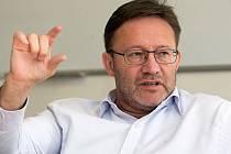 Kandidát ČSSD na hejtmana Jiří Zemánek při on-line rozhovoru se čtenáři Deníku