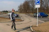 Parkoviště u in-line stezky ve Chválkovicích