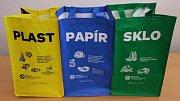Tašky na třídění odpadu. Ilustrační foto