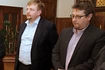 Náměstek olomouckého primátora a člen představenstva fotbalové Sigmy Martin Major (vpravo) a místopředseda představenstva Petr Konečný