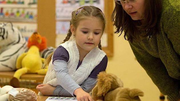 Zápisy do škol budou letos opět bez dětí.
