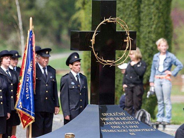 Pieta u památníku javoříčské tragédie