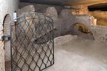 Připravovaná expozice lapidária Vlastivědného muzea Olomouc. Dochované zbytky středověkého osídlení