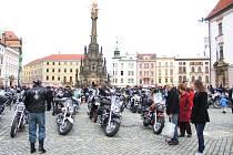 Sraz motorkářů v centru Olomouce
