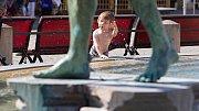 V Arionově kašně v centru Olomouce opět stříká voda