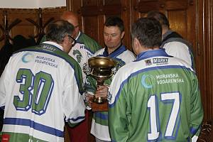 Olomoučtí hokejisté slavili na radnici 25 let od zisku extraligového titulu.