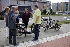 Olomouc - Seznámení seniorů s elektrokoly a elektrokoloběžkami
