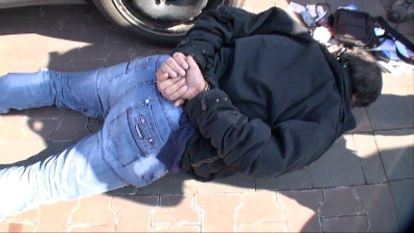 Zatčení Jána Bakalára 10.3.2014 vPraze - snímky zpolicejního videa