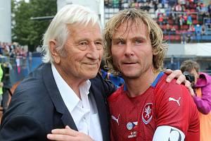 Karel Brückner a Grande Paolo v září 2019 na Zápase století na Andrově stadionu v Olomouci
