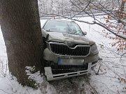 18. března 2018. Dopravní nehoda na kluzké silnici v Bělé pod Pradědem
