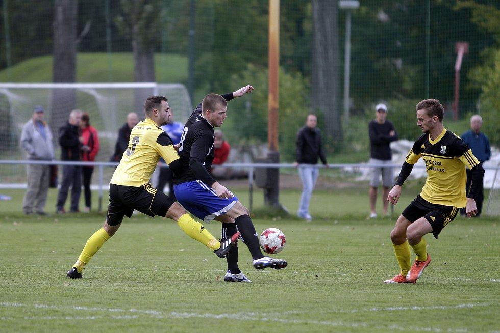 Fotbalisté Nových Sadů (ve žlutém) porazili Kozlovice 3:1