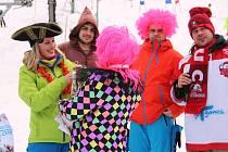 Karnevalové lyžařské závody v Parku sportu Hrubá Voda.